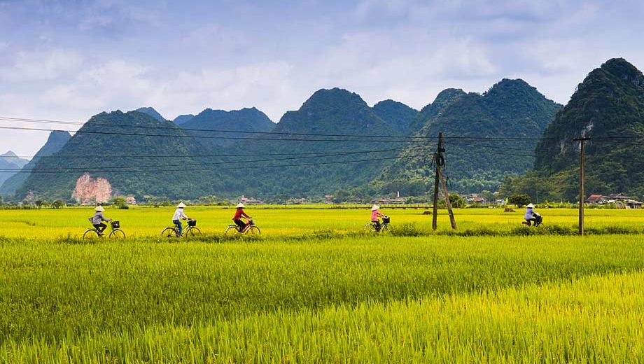 5 Amazing South East Asian Experiences By Bike